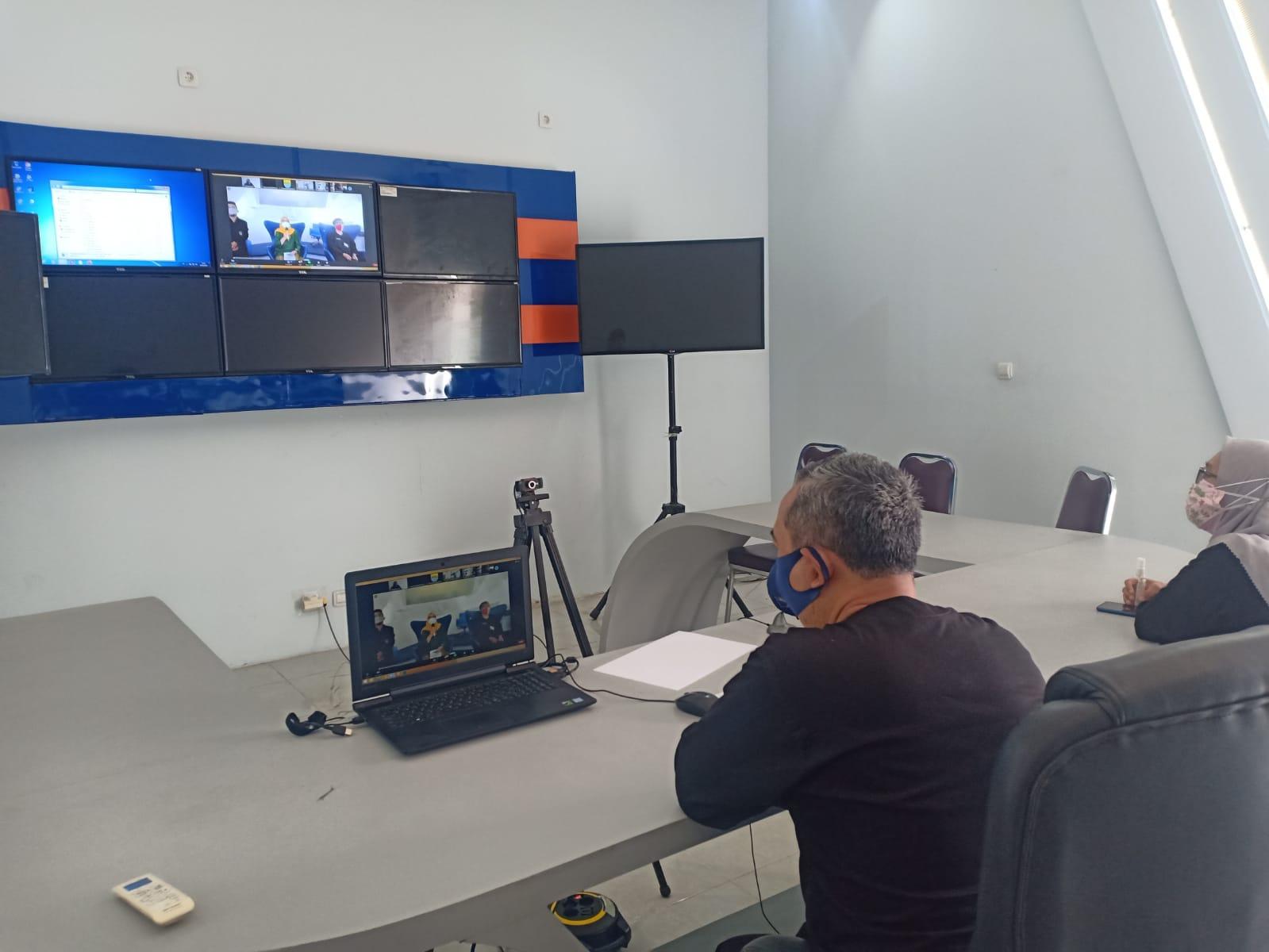 Rapat koordinasi PPID Pembantu dan PPID Sub Pembantu dalam rangka pembahasan sosialisasi keputusan KI Pusat tentang Prosedur Penghentian Proses penyelesaian sengketa Informasi Publik secara virtual, Kamis 19 Agustus 2021